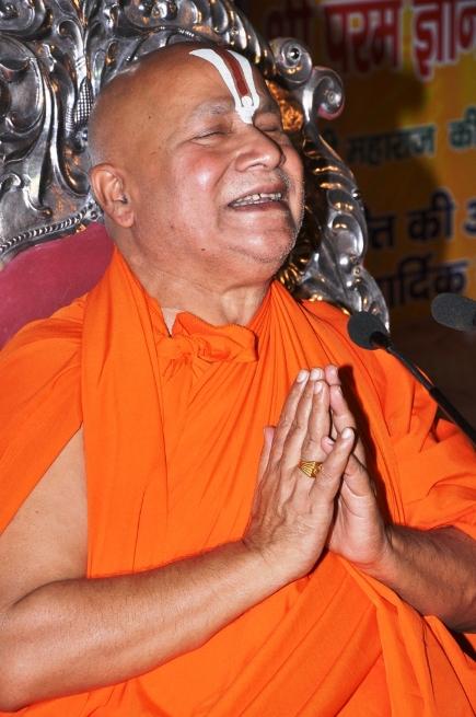 anand-mudra-while-bhajan
